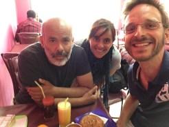 Laura und Ricardo aus Portugal habe ich beim Couchsurfen in Constantine kennengelernt. Wir haben uns so gut verstanden, dass wir uns nochmal in Algiers getroffen haben. Reflektierte Reisende, die allerhand spannende Storys auf dem Kasten haben.