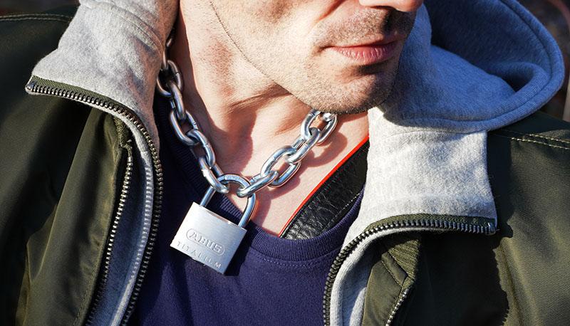 Sklavenkette - Copyright 2020, fesselblog.de