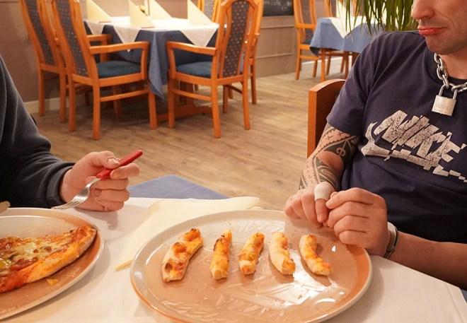 Pizza-Reste - Copyright 2020, fesselblog.de