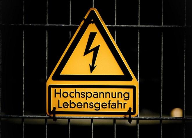 Hochspannung - Copyright 2021, pxhere.com