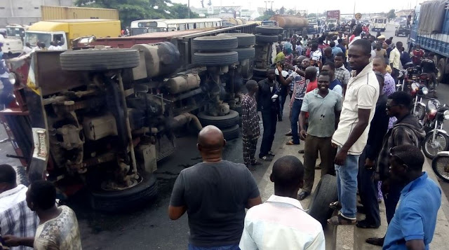 trailer-accident-2nd-rainbow-festac-online