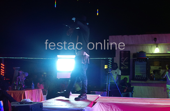 m3riss-thrilling-the-crowd-Face-Of-amuwo-Odofin-2015-Festac-online