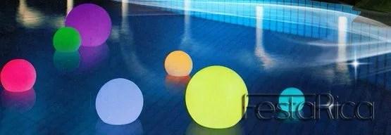 Sfere luminose  Allestimento con sfere led galleggianti