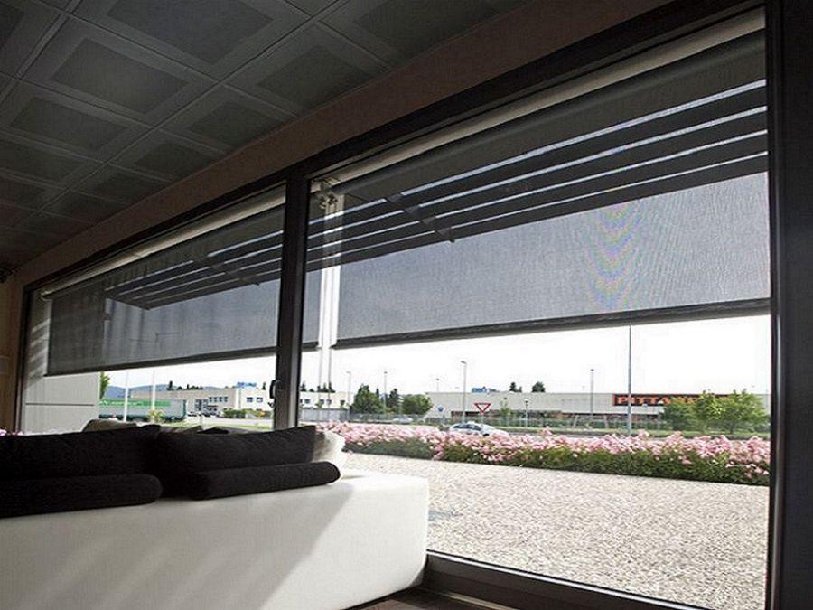 E gestire tende da sole, pergole, sensori sole e vento, screen verticali da remoto molto. Tende Da Sole A Caduta Verticale Con Braccetti O Guide