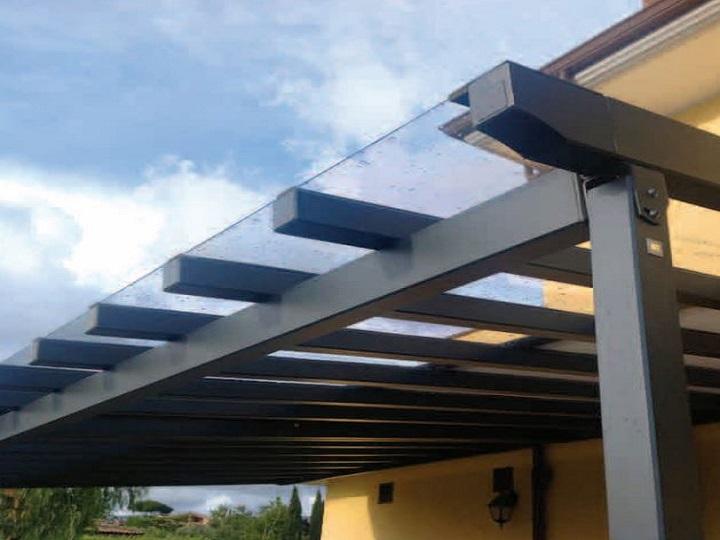Tettoie in alluminio e policarbonato compattotrasparente