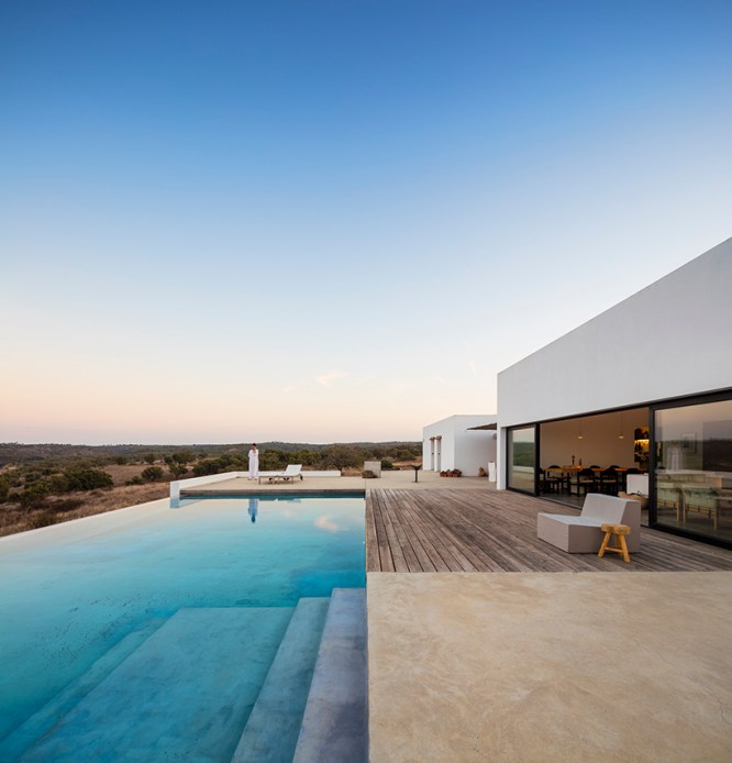 betonowe wykończenie basenu
