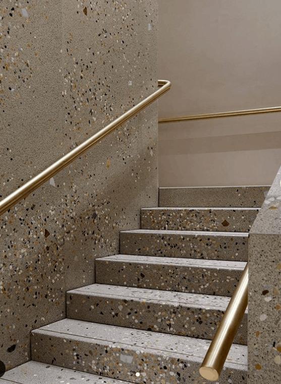 schody z lastryko
