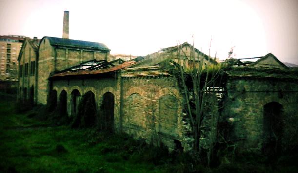 Metamorfosi Urbane: memorie e riuso delle strutture industriali nel quartiere Marconi