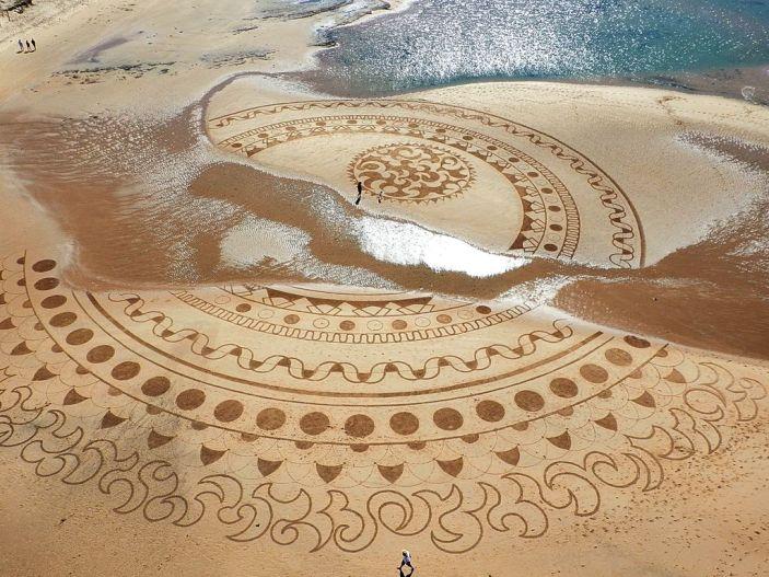Beach_art_Michel_Jobard (3)