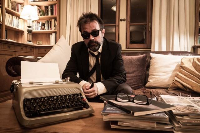 Guido Catalano: storia di un poeta cabarettista amato solo dai musicisti.