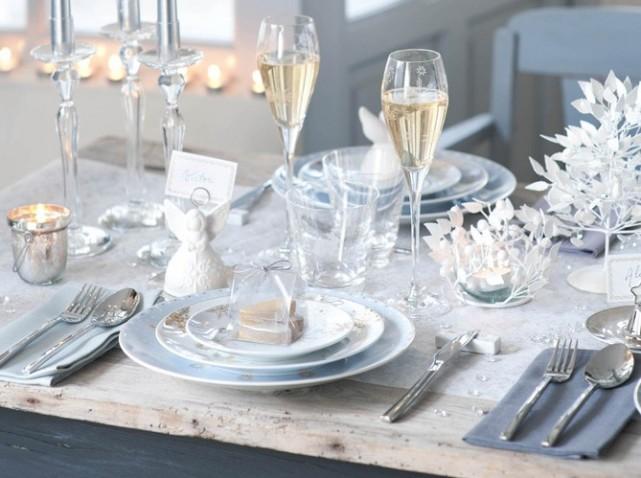 table-fete-blanche-et-grise_w641h478