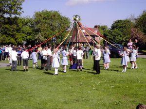 1er mai en Europe - May Pole UK - Fêtes vous même