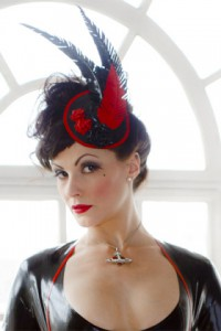3 Roses Feather Fascinator