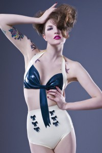 Latex 50's Style Bow Knickers