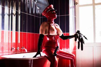Miss Velour London rubber Mistress