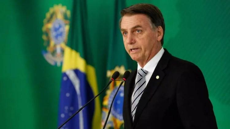Bolsonaro-promete-modificacoes-nos-livros-didaticos-em-2021