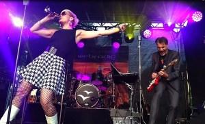 livemusik-und-feuershow-von-HOMBRE loco-Sabrina Wolfram-heidelberg-band