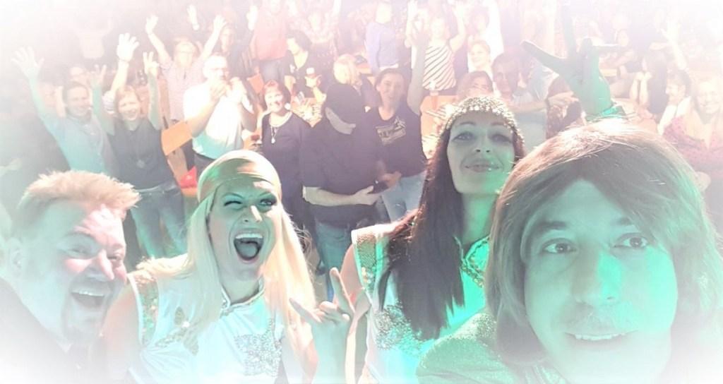 ABBA-Dancing-Queen-Zugabe-Selfie