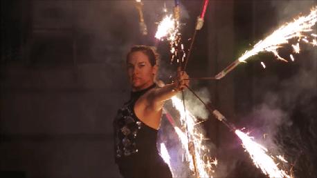 Pyrofächertanz Lisa Team Feuershow