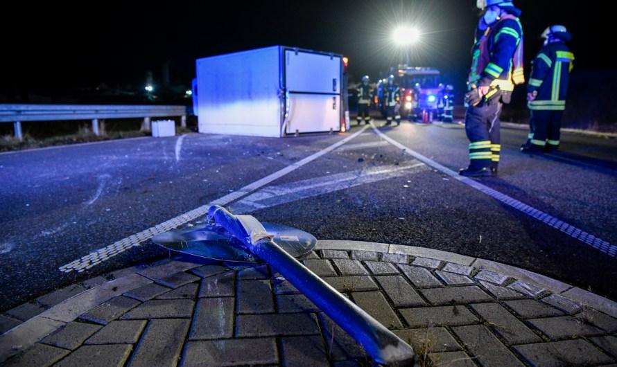 25.10.2021 Verkehrsunfall – Person eingeklemmt