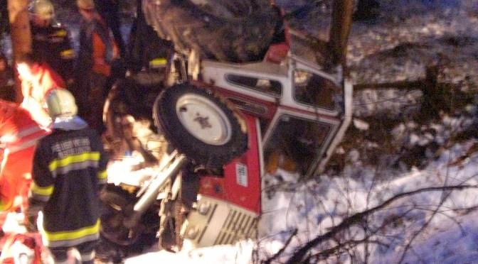 04.03.2010, Technischer Einsatz – Traktorunfall (Fotogalerie)