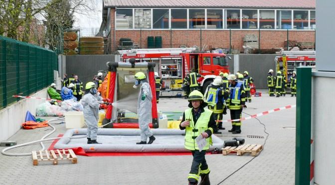 Übung: Feuerwehr probt Ernstfall bei Wiesenhof
