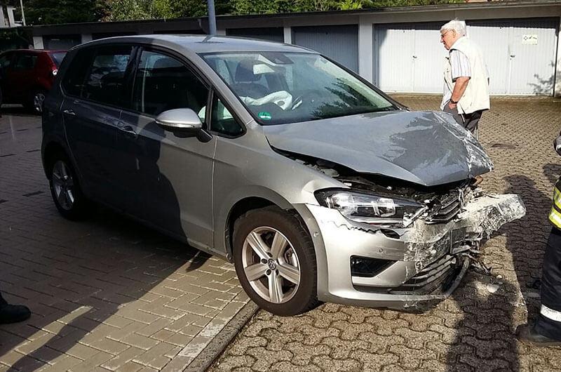 frontschaden_unfallwagen