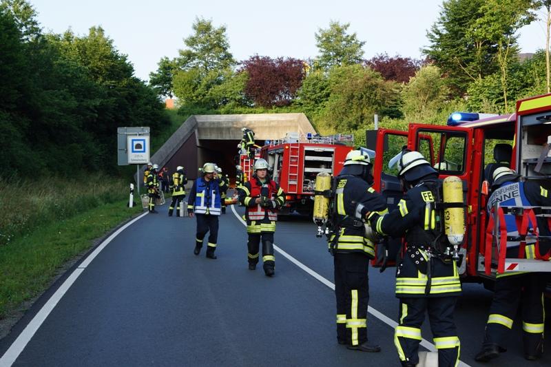 Übungseinsatz im Tunnel, Schmallenberger Feuerwehr probt den Ernstfall