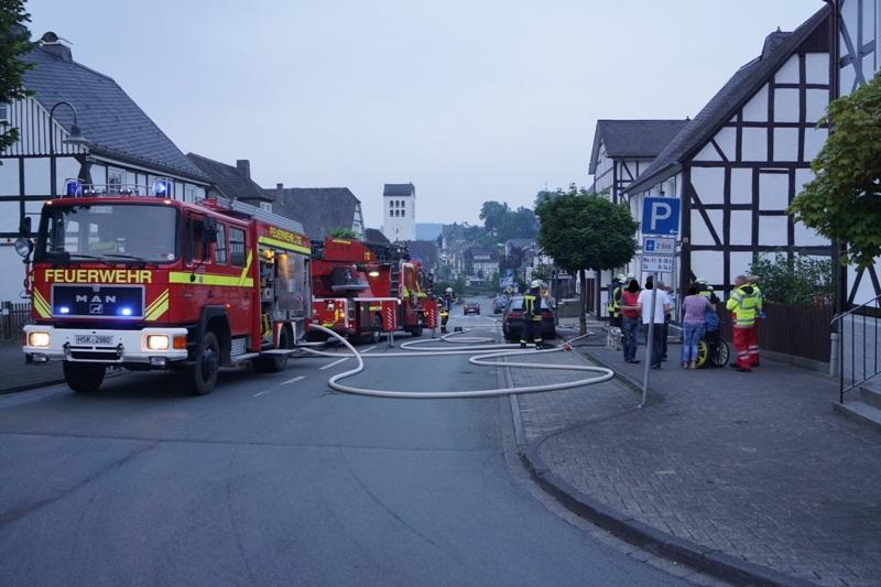 Fassadenbrand an einem alten Fachwerkhaus in Bad Fredeburg