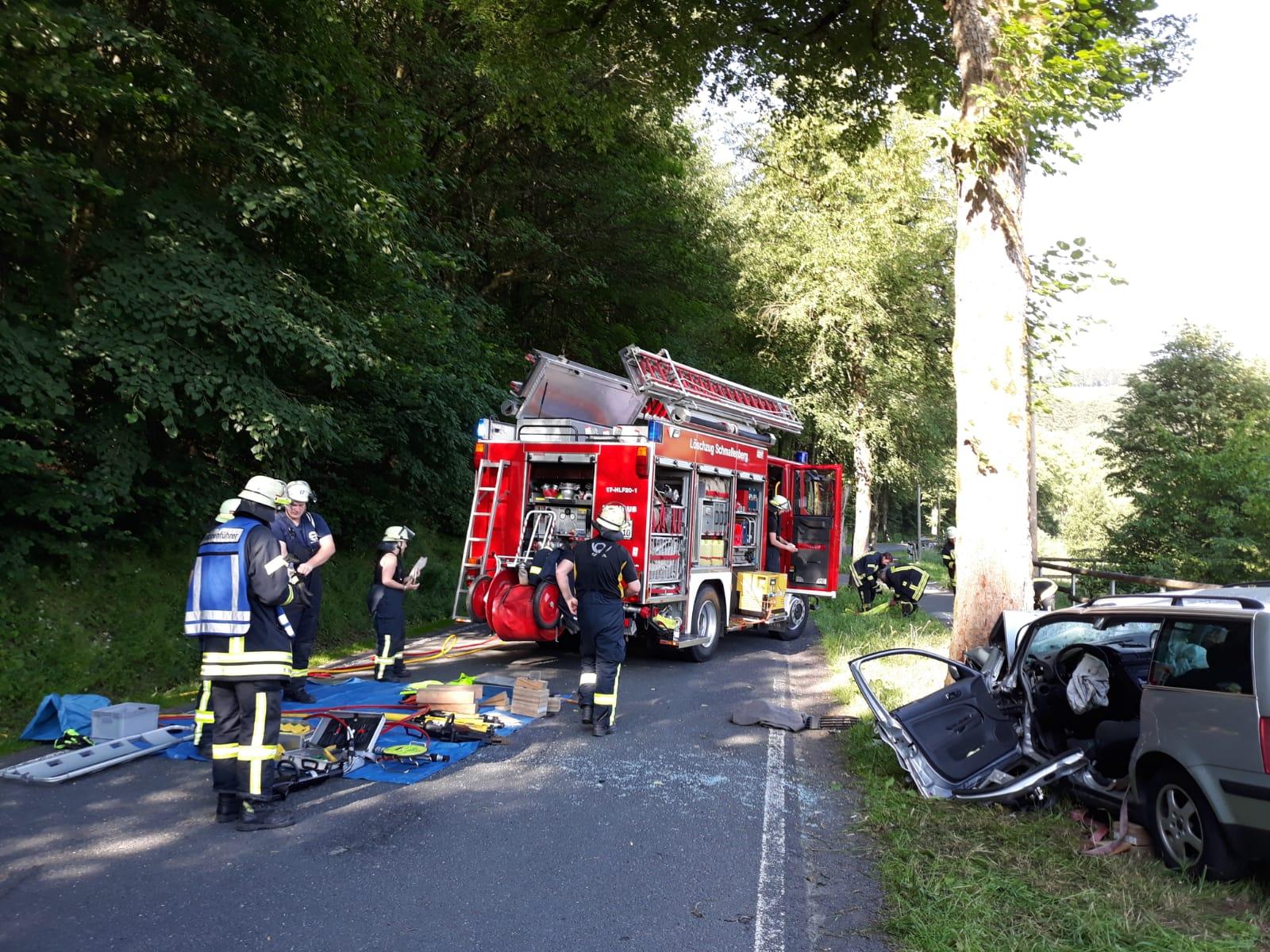 Schwerer Verkehrsunfall auf der L 737 von Werpe in Richtung Felbecke