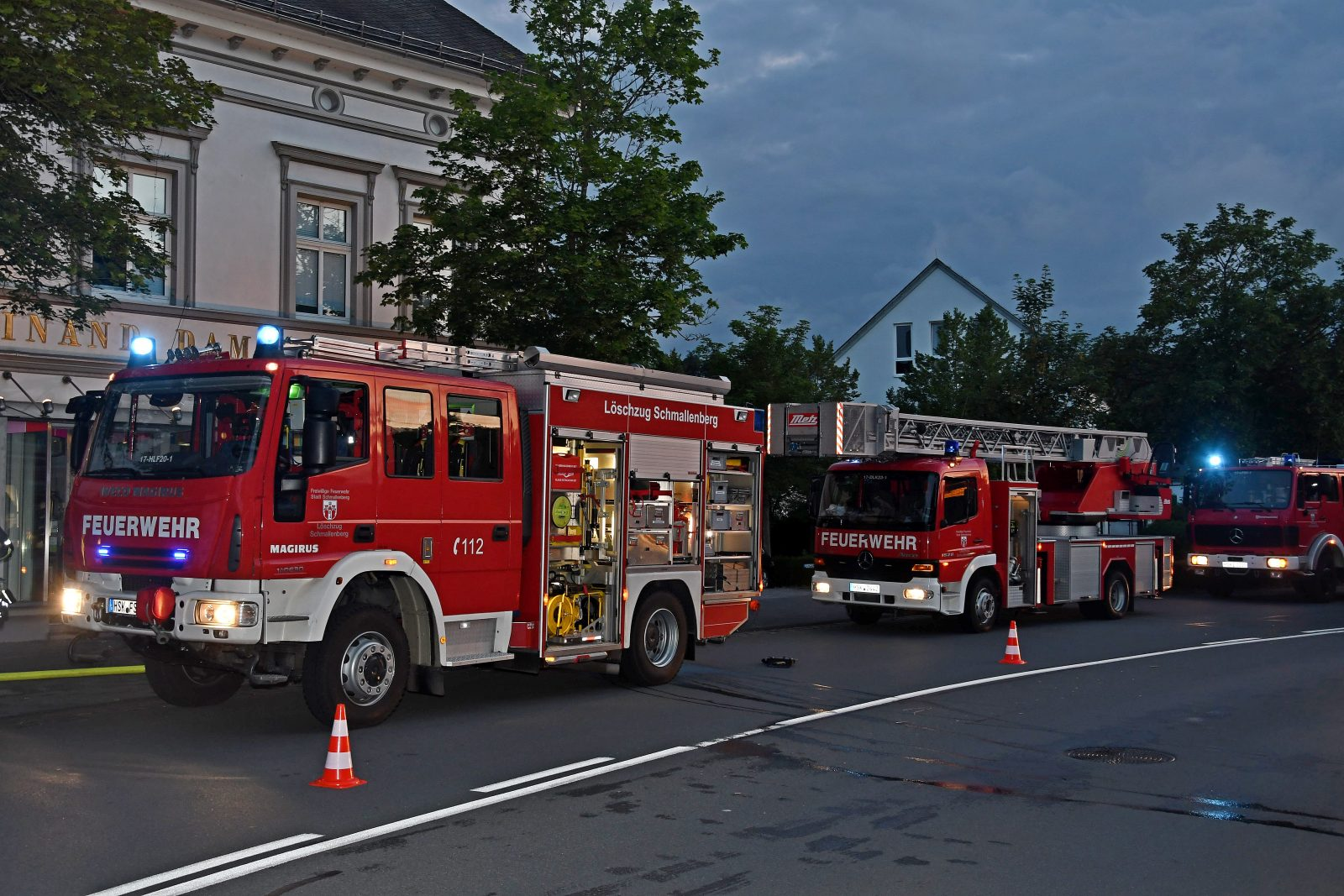 Löschzug Schmallenberg wurde wegen Explosionsgefahr zur versuchten Sprengung eines Geldautomaten alarmiert