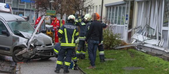 20161116 Unfall Buerofassade 63_7s2JfLnkyr