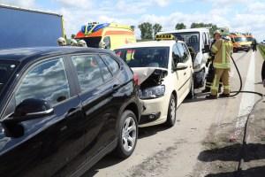 Zwischen Wilsdruff und Nossen stießen mehrere Fahrzeuge zusammen. Foto: Roland Halkasch