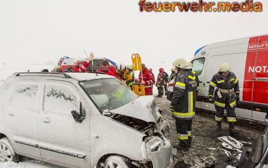 Menschenrettung nach Unfall auf der L43 (+Video)