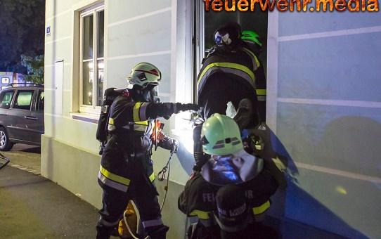 Zeitungszusteller entdeckt Brand in der Volksschule Haitzendorf