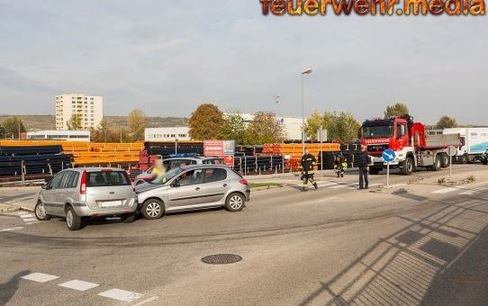 Erheblicher Sachschaden bei Unfall in der Hofrat Erben Straße