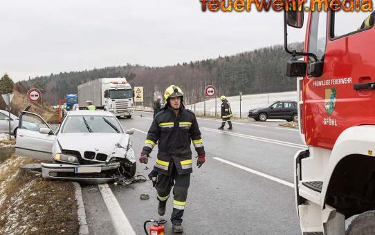 Unfall mit zwei Fahrzeugen auf der B37 im Gföhleramt
