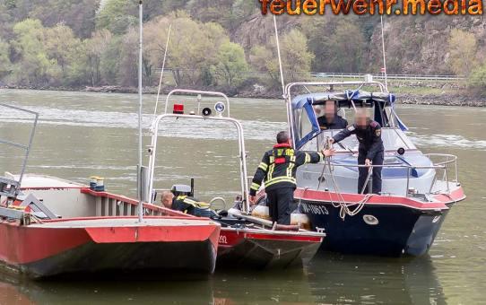 Bootsbergung auf der Donau bei Dürnstein