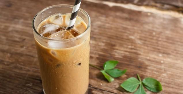 café frappé grec - Feuille de choux