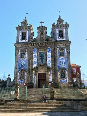 Eglise et azulejos a Porto - Feuille de choux.jpg