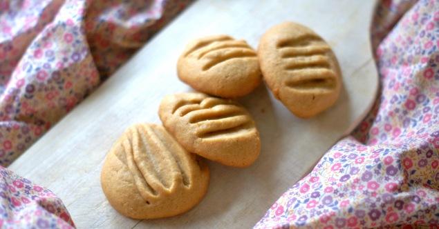 Biscuit moelleux beurre de cacahuete-Feuille de choux