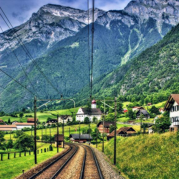 Swiss Alps by Jakob Montrasio - Flickr