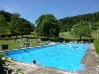 Schwimmbad im Schwarzwald: Freibad Schweigmatt im ...