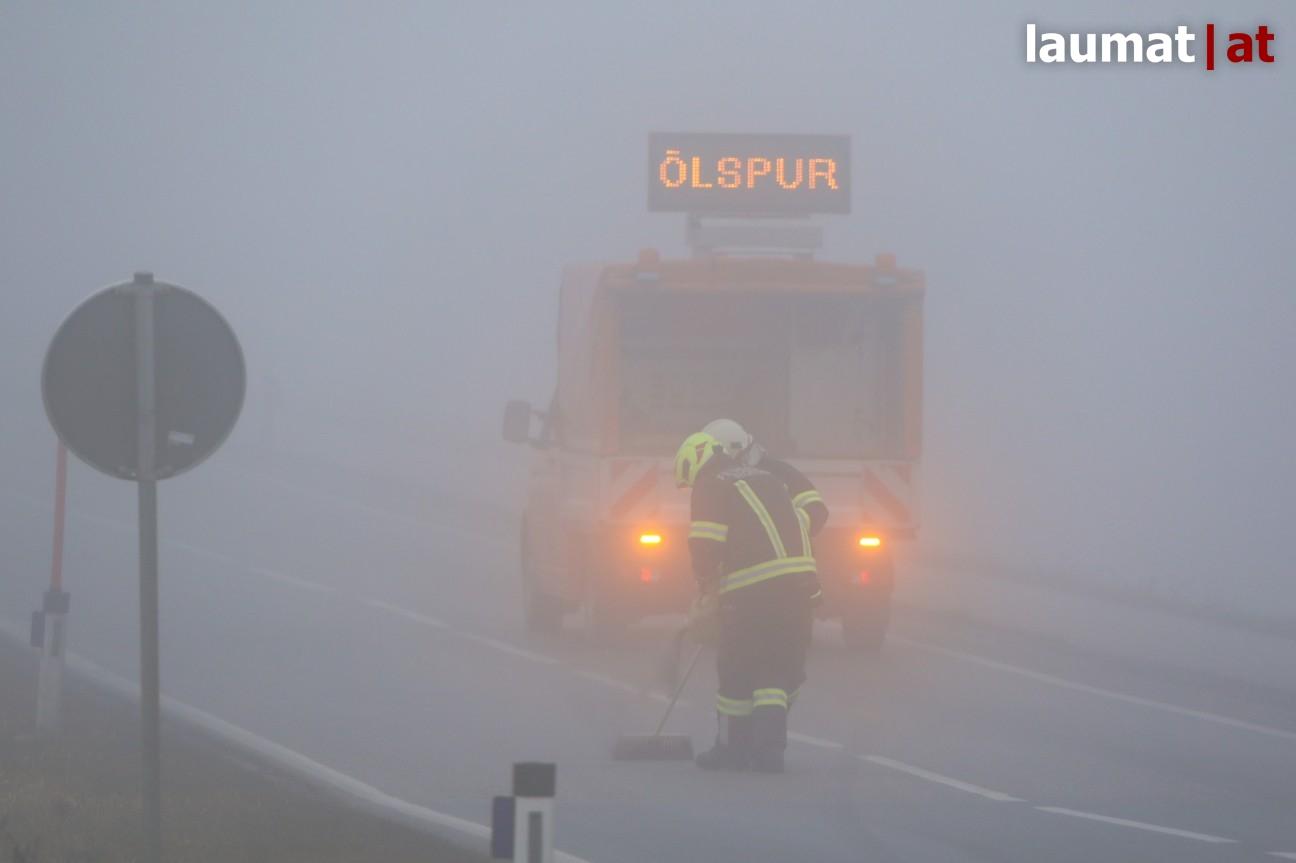 https://www.laumat.at/medienbericht,im-dichten-nebel-feuerwehren-muessen-kilometerlange-oelspur-auf-gallspacher-strasse-binden,17566.html