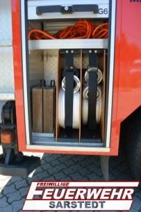 Im Geräteraum 6 sind zwei 20 m B-Schläuche für die Wasserversorgung aber auch Unterleghölzer für die Abstützung auf unebenen Boden.