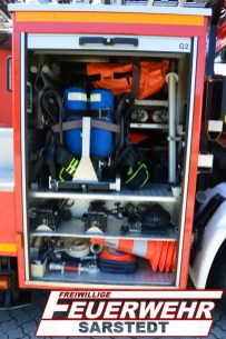 Im Geräteraum 2 sind die Atemluftgeräte untergebracht. Drei unterschiedliche Tragen haben auch hier ihren Platz gefunden. Material zur Absicherung sind hier auch verstaut.