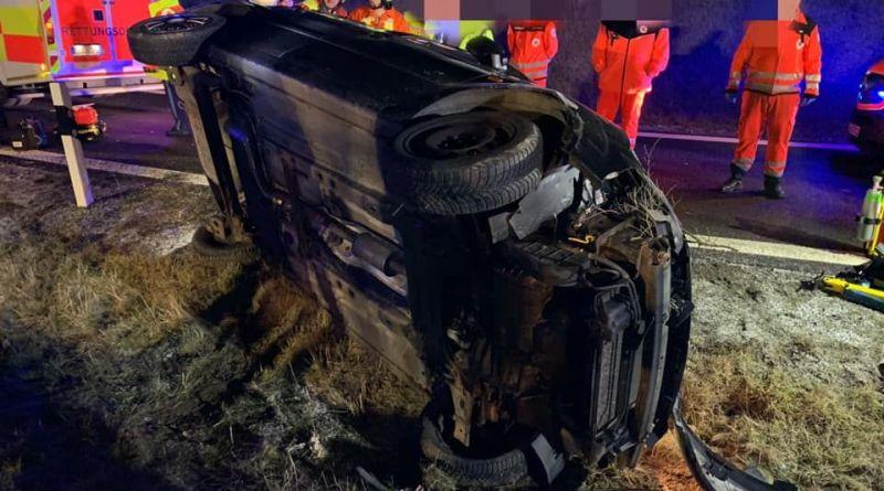 Verkehrsunfall, eingeklemmte Person- A73 3
