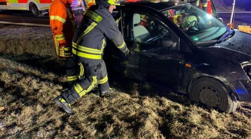 Verkehrsunfall, eingeklemmte Person- A73 1