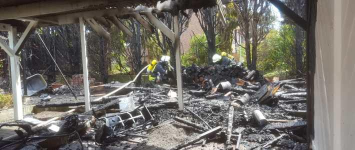 Einsatz: Carport- und Heckenbrand in Nettelrede