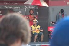 En fin de journee, Tamada sur le stand Honda pour une interview